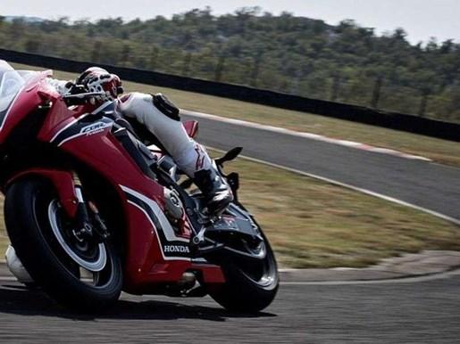 2018 Honda CBR1000RRA ABS / 53$/sem Photo 4 of 6