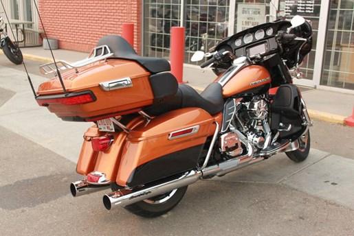 2014 Harley-Davidson FLHTK - Electra Glide® Ultra Limited Photo 5 of 9