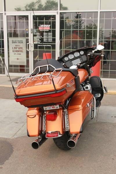2014 Harley-Davidson FLHTK - Electra Glide® Ultra Limited Photo 6 of 9