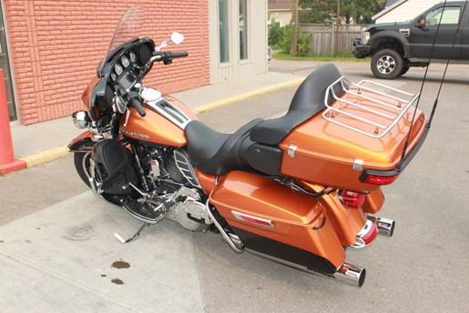2014 Harley-Davidson FLHTK - Electra Glide® Ultra Limited Photo 7 of 9