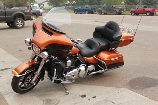 2014 Harley-Davidson FLHTK - Electra Glide® Ultra Limited Photo 9 of 9