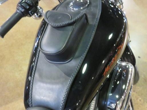 2011 Harley-Davidson XL883L - Sportster® SuperLow® Photo 4 of 8