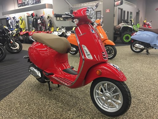 2019 Vespa Primavera 50 Photo 2 of 3