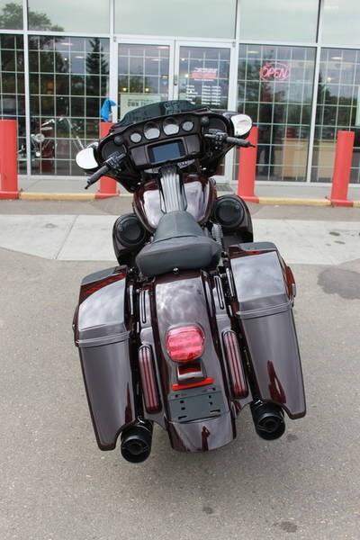 2019 Harley-Davidson FLHXSE - CVO™ Street Glide® Photo 6 of 17