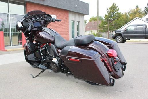 2019 Harley-Davidson FLHXSE - CVO™ Street Glide® Photo 7 of 17