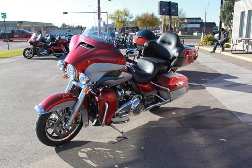 2019 Harley-Davidson FLHTCU - Electra Glide® Ultra Classic® Photo 2 of 5