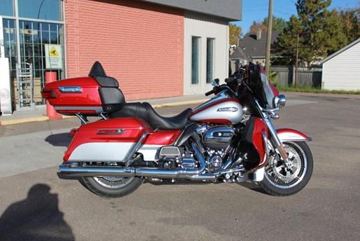 2019 Harley-Davidson FLHTCU - Electra Glide® Ultra Classic® Photo 4 of 5