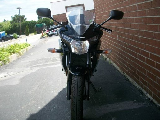 2014 Honda CBR125R Photo 14 of 21
