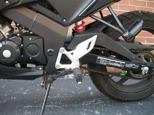 2014 Honda CBR125R Photo 20 of 21
