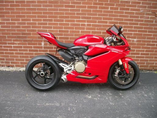 2016 Ducati 1299 Panigale Photo 1 of 28