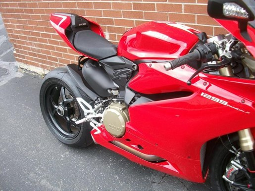 2016 Ducati 1299 Panigale Photo 2 of 28