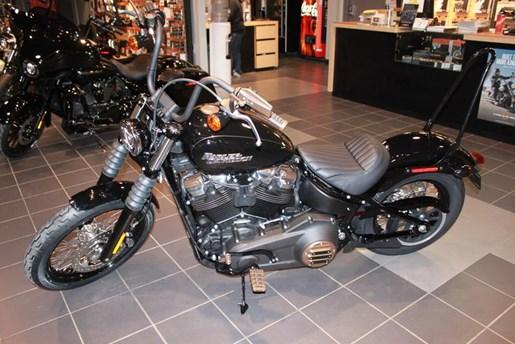 2019 Harley-Davidson FXBB - Softail® Street Bob® Photo 3 of 5