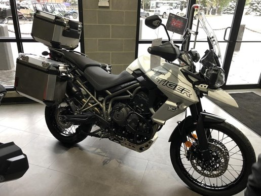 2018 Triumph Tiger 800 XCA Crystal White Photo 1 of 8