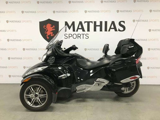 2010 Can-Am Spyder RTS Photo 4 of 12