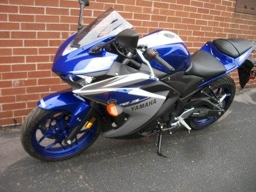2015 Yamaha YZF-R3 Two-Tone Photo 24 of 36