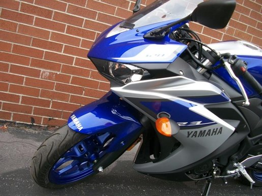2015 Yamaha YZF-R3 Two-Tone Photo 26 of 36