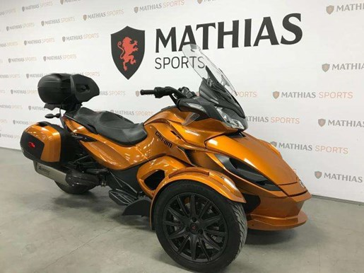 2014 Can-Am spyder st limited Photo 3 of 10