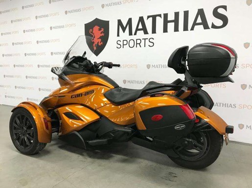 2014 Can-Am spyder st limited Photo 6 of 10