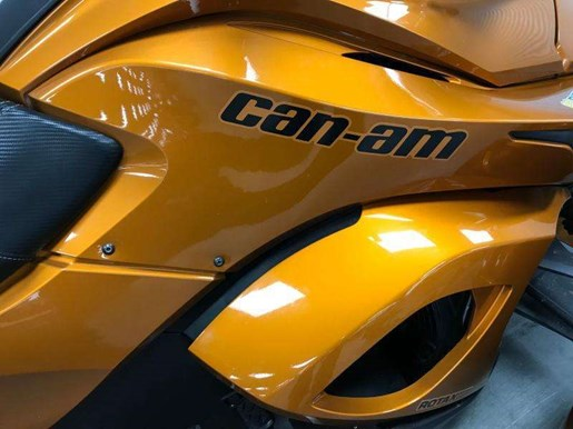 2014 Can-Am spyder st limited Photo 7 of 10