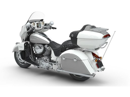 2018 Indian Motorcycle® Roadmaster® ABS Pearl White over Star Si Photo 3 of 9