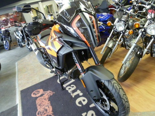 2019 KTM 1290 Super Adventure S Photo 2 of 6
