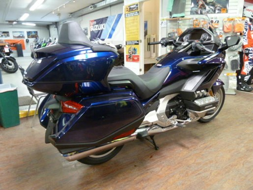 2019 Honda Gold Wing Tour DCT ABS Photo 2 of 8