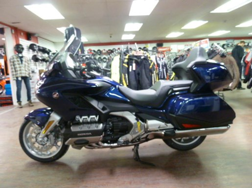 2019 Honda Gold Wing Tour DCT ABS Photo 5 of 8