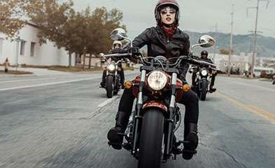 2019 INDIAN SCOUT SIXTY ABS RUBY METALLIC / 37$/sem Photo 3 sur 7