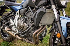 2017 Yamaha FZ-07 motorcycle Review naked exposed engine