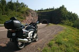 bmw K1600GTL dirt road