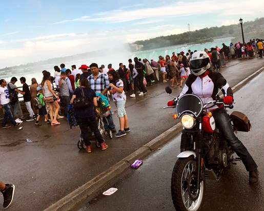 2017 Yamaha SCR950 Sport Heritage Review - At Niagara Falls