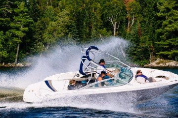 229A8650-5-Sea Ray 220 Sundeck-Lake of the Woods-Kenora-Virgil Knapp