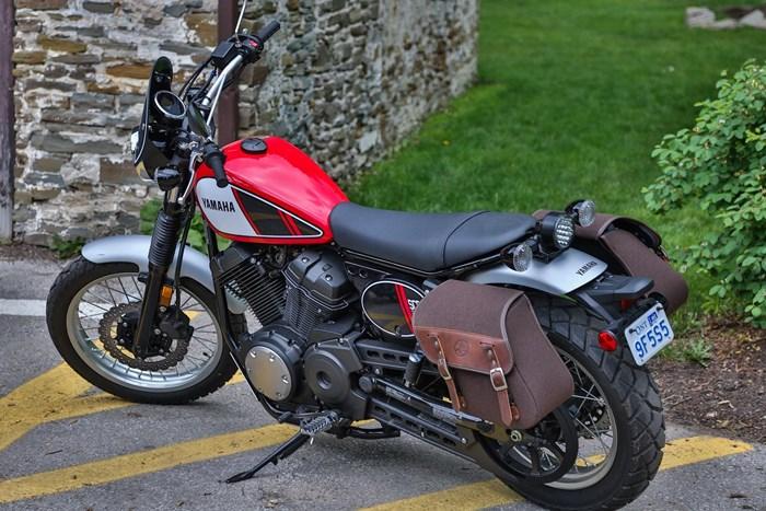 2017 Yamaha SCR950 Sport Heritage Review - Virgil Knapp Sidebags Retro Look