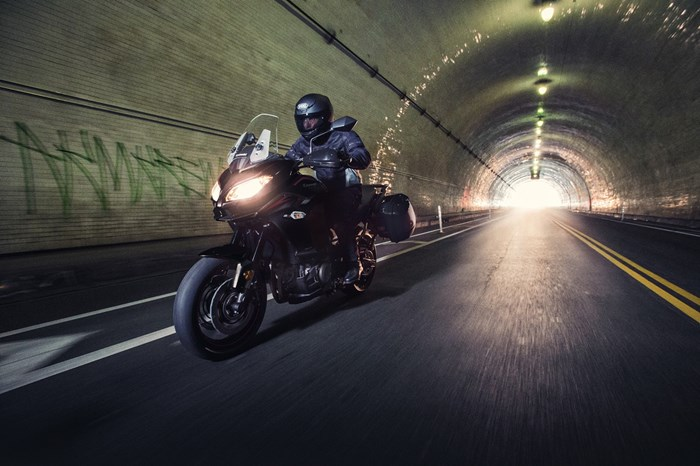 Kawasaki-Versys 1000 review tunnel