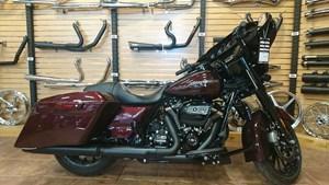 2018 Harley-Davidson FLHXS - Street Glide® Special