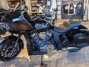 2021 Indian Motorcycle® Challenger® Thunder Black