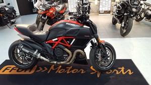 Ducati Diavel Red and Matt Carbon 2015