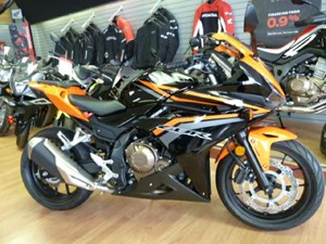 Honda CBR500R ABS Black / Candy Energy Orange 2017