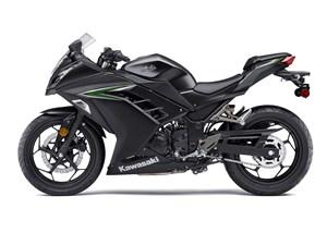 Kawasaki NINJA 300 / 16$/sem 2016