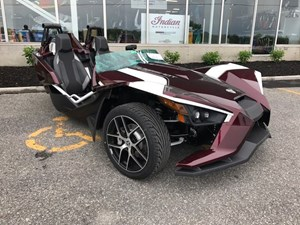Polaris SLINGSHOT SL LE MIDNIGHT CHERRY / 75$/sem 2017