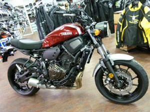 Yamaha XSR700 Metallic Red 2018