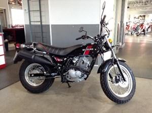 Suzuki VanVan 200 Black 2018