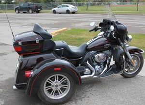 Harley-Davidson FLHTCUTG - Tri Glide™ Ultra Classic® 2011
