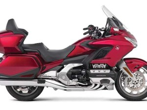 Honda GOLDWING TOUR STANDARD / 80$/sem 2018