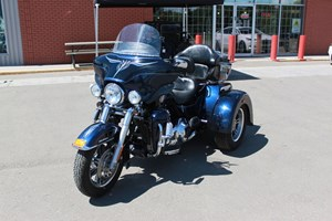 Harley-Davidson FLHTCUTG - Tri Glide™ Ultra Classic® 2012