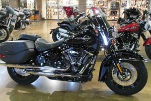 Harley-Davidson FLHCS - Softail® Heritage Classic 114 2018