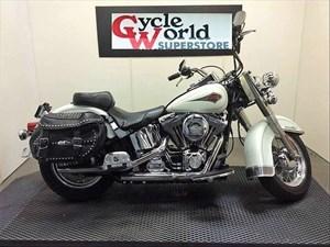 2001 Harley-Davidson FLSTC - Heritage Softail® Classic
