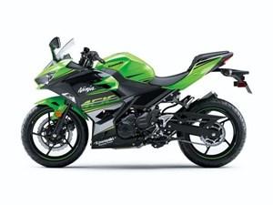 Kawasaki NINJA 400 ABS KAWASAKI RACING TEAM / 20$/sem 2018