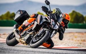 KTM 1290 Super Duke GT 2019