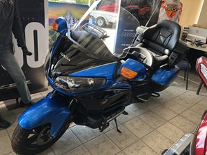 Honda Gold Wing ABS Blue Metallic / Graphite B 2017